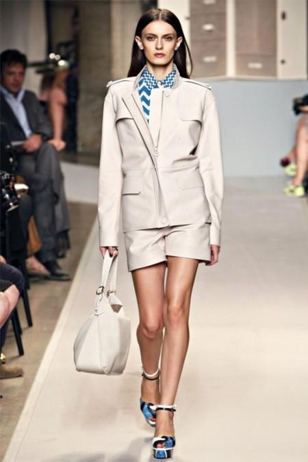 Коротко о брюках: шорты. Самые трендовые модели лета 2012 — фото 25