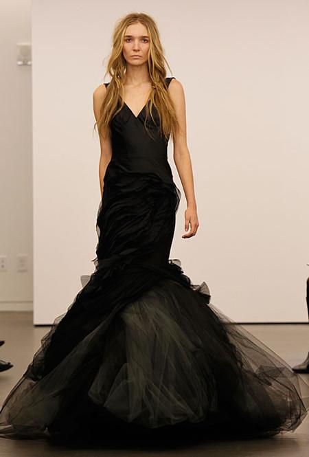 Черное подвенечное платье…