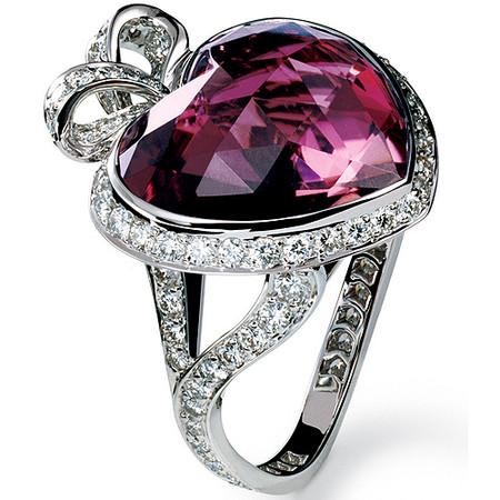 Шикарные украшения ко Дню святого Валентина от Dolce&Gabbana, Chanel, Dior и Louis Vuitton — фото 22