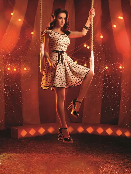 Принцесса цирка в милом воздушном платье