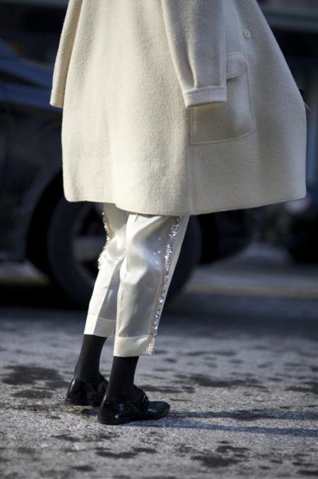 Военное наследие: брюки с лампасами в новой интерпретации — фото 24