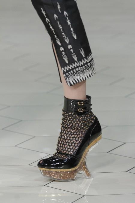 А нужен ли каблук? Необычная обувь становится настоящим трендом. — фото 28