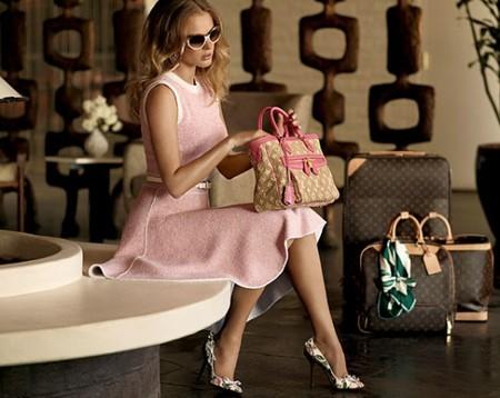 С 17 апреля этого года продажа поддельной продукции Louis Vuitton считается…
