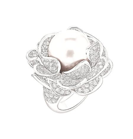 Шикарные украшения ко Дню святого Валентина от Dolce&Gabbana, Chanel, Dior и Louis Vuitton — фото 5