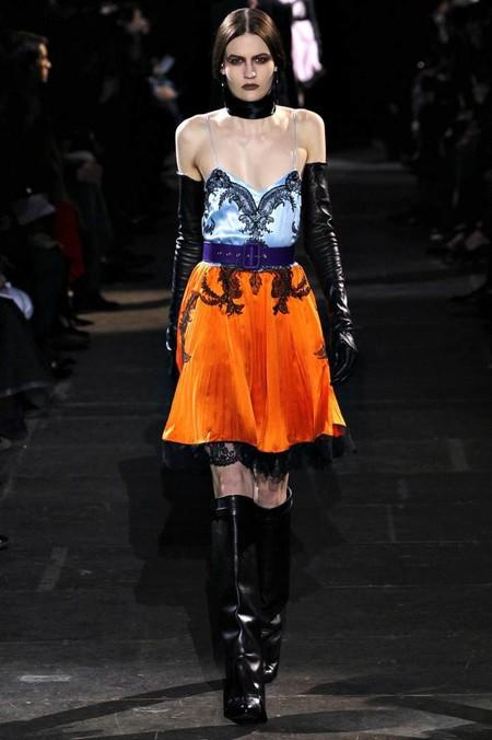 Цветовая палитра осени 2012: мода на благородные тона — фото 11