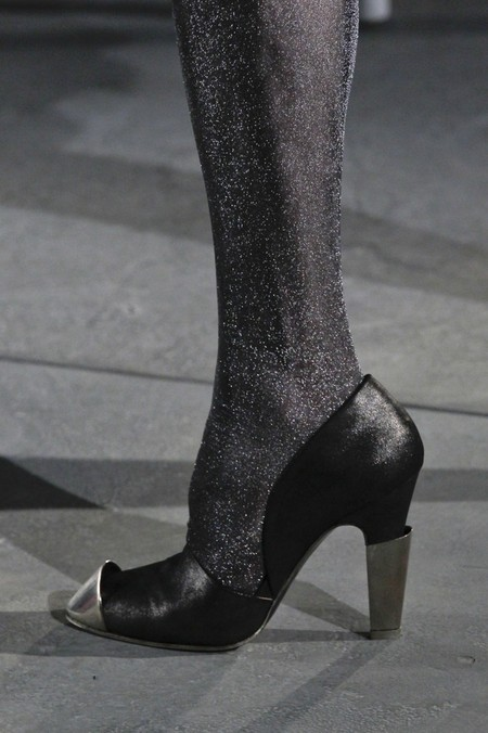 Акцент на носок: в моде обувь с заостренным носом — фото 2