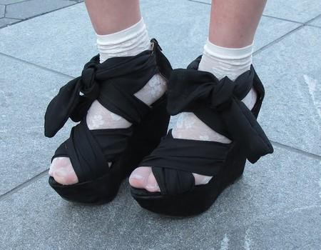 Носочный тренд: с какой летней обувью можно носить носки — фото 17