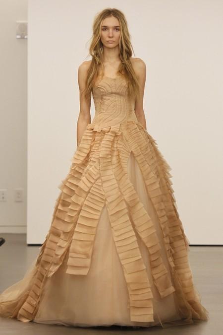 Коллекция свадебных платьев Vera Wang: креативная невеста или черная вдова?.. — фото 6