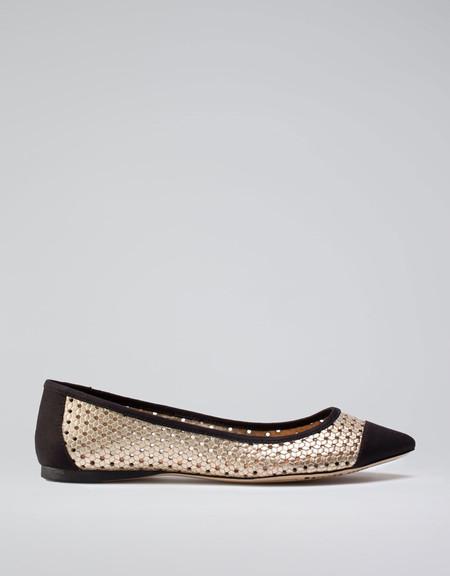 Акцент на носок: в моде обувь с заостренным носом — фото 18