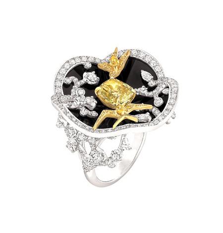 Шикарные украшения ко Дню святого Валентина от Dolce&Gabbana, Chanel, Dior и Louis Vuitton — фото 6