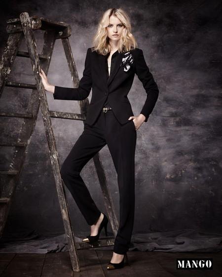 Черный костюм в мужском стиле