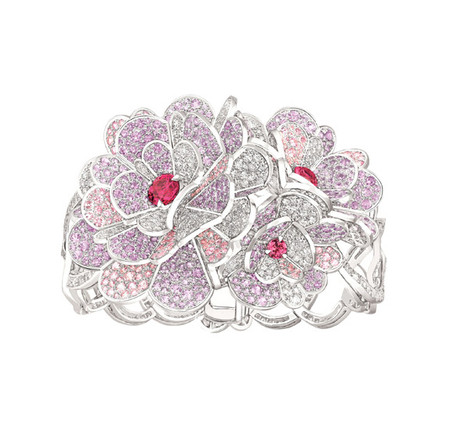 Шикарные украшения ко Дню святого Валентина от Dolce&Gabbana, Chanel, Dior и Louis Vuitton — фото 16