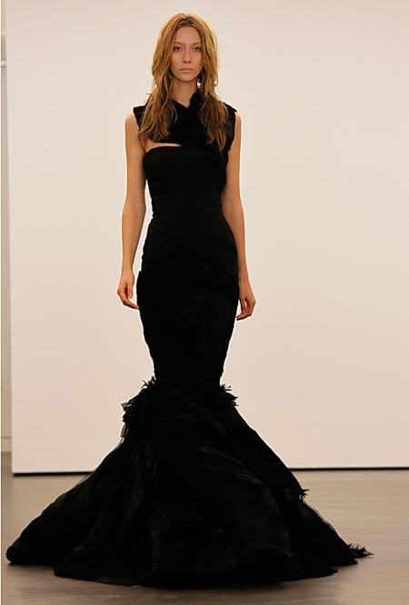 Коллекция свадебных платьев Vera Wang: креативная невеста или черная вдова?.. — фото 8
