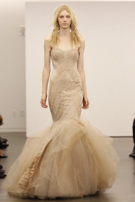 Коллекция свадебных платьев Vera Wang: креативная невеста или черная вдова?.. — фото 10