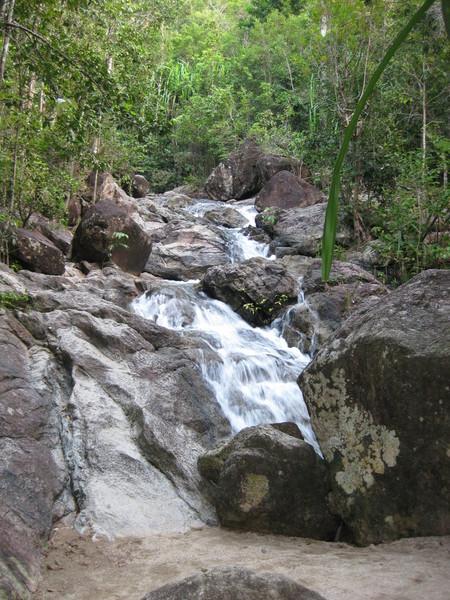 Один из водопадов на острове