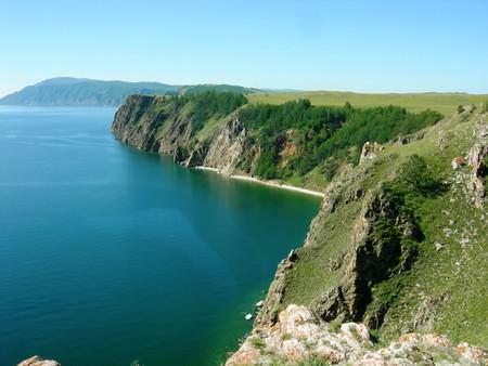 а вода в Байкале на самом деле чистейшая