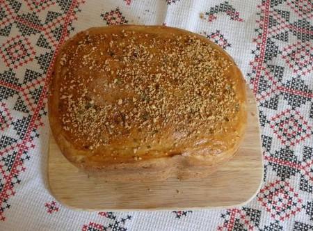 хлебушек с луком и сыром сушенным