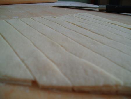 нарезаем на полоски примерно 15 мм