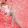 Модная тенденция: красивые ножки напоказ