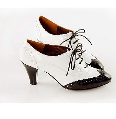 черно-белые ретро-туфли