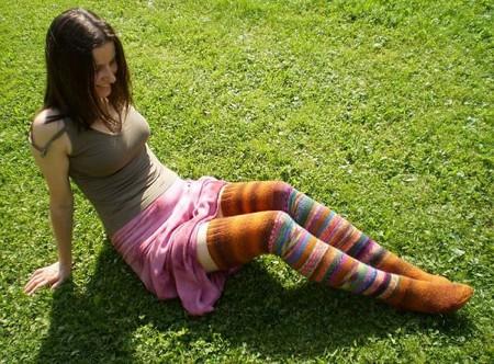 """Переводчик пишет, что эти носки называются """"Этно""""  http://valika.org/ru/shop/zuzinick"""