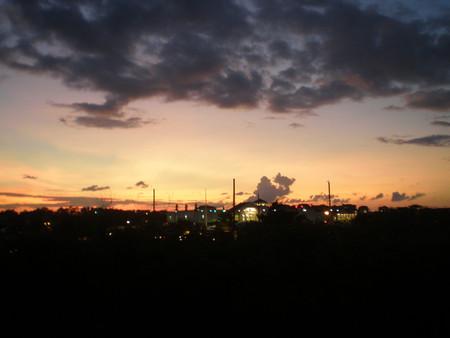 Закат. Краски неба, на фоне которых мой супермаркет.
