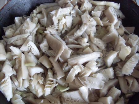 Кабачковый рулет с грибами — фото 4