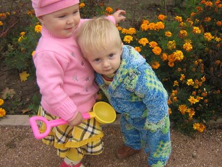 Как научить ребенка делиться своими игрушками с другими детками — фото 3